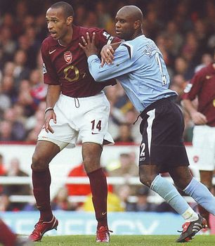arsenal away 2005 to 06 action4