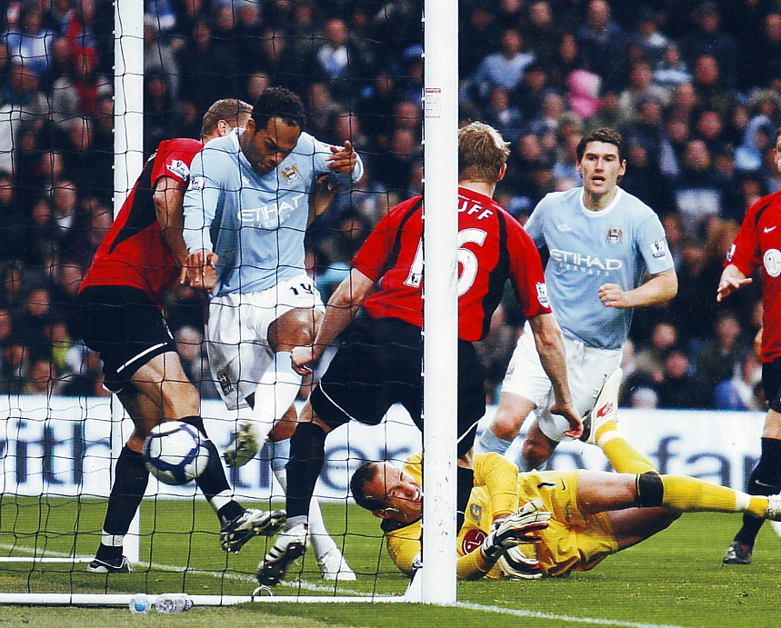fulham home 2009 to 10 lescott goal3