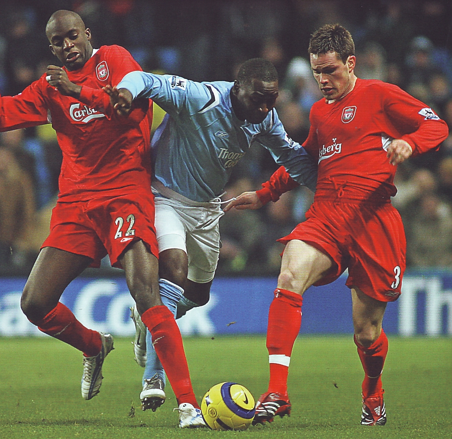 liverpool home 2005 to 06 action2