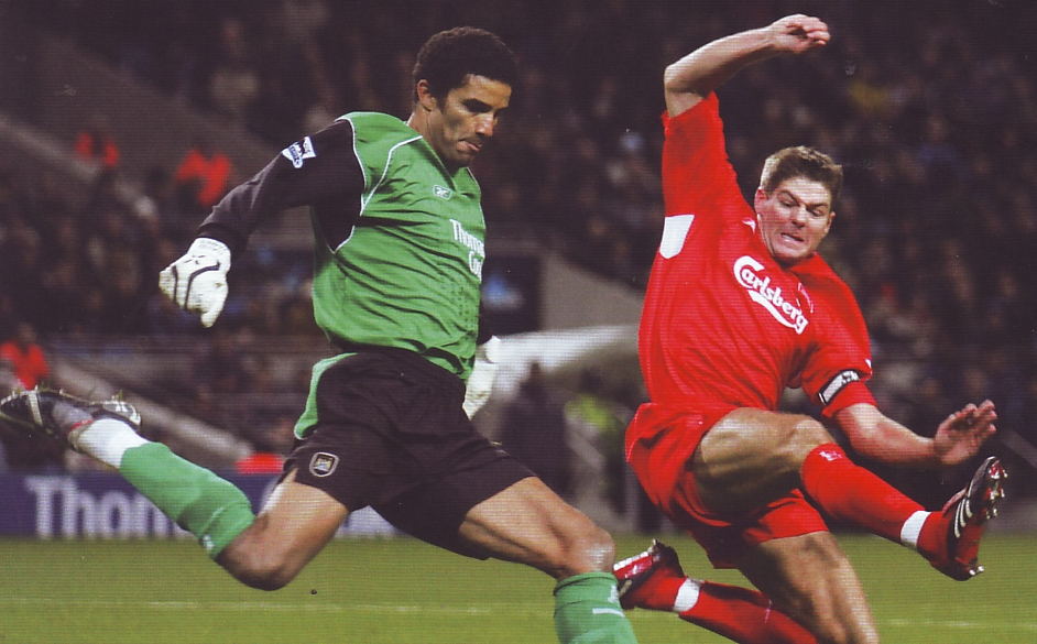 liverpool home 2005 to 06 action3