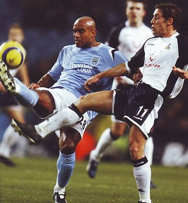 tottenham home 2005 to 06 action3