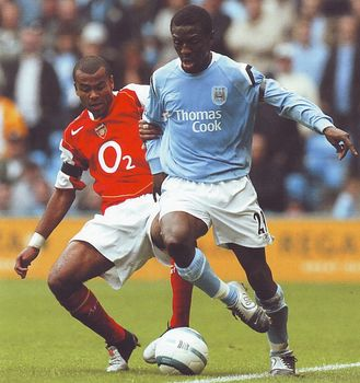 arsenal home 2004 to 05 action3