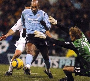 bolton away 2004 to 05 action2