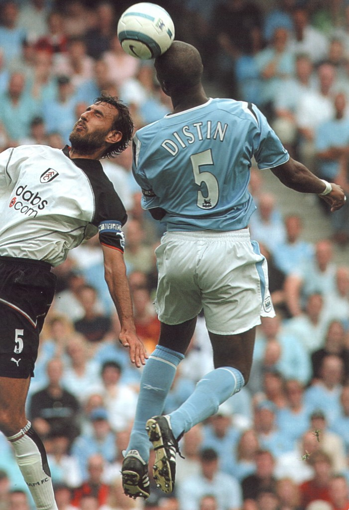 fulham home 2004 to 05 action