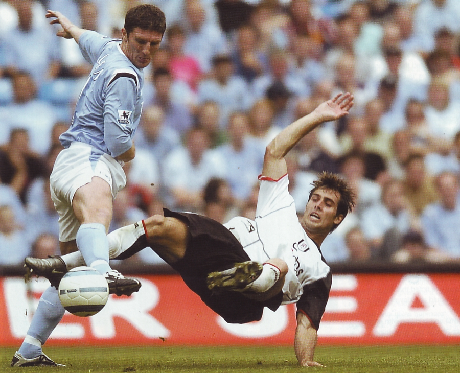 fulham home 2004 to 05 action2