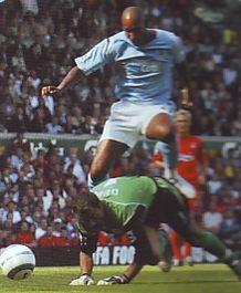 liverpool away 2004 to 05 anelka goal