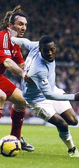 liverpool away 2009 to 10 action3