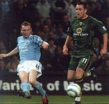 norwich home 2004 to 05 action2