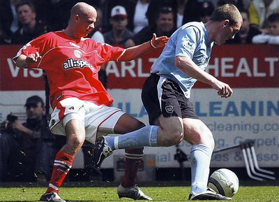 charlton away 2004 to 05 action2