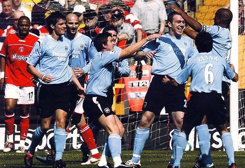 charlton away 2004 to 05 dunne goal2