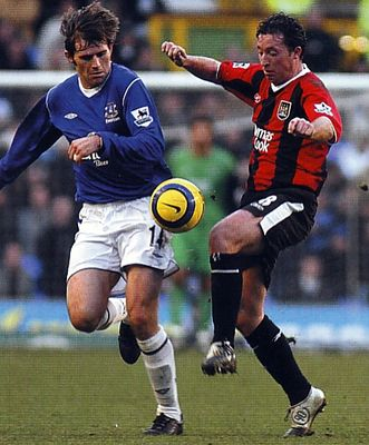 everton away 2004 to 05 action3