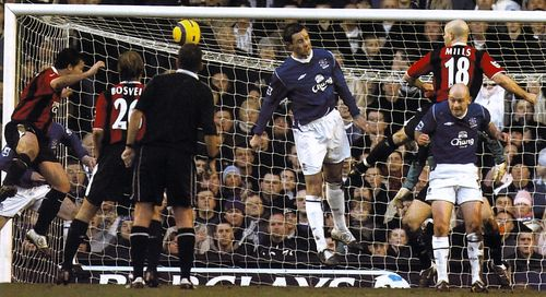everton away 2004 to 05 fowler goal2