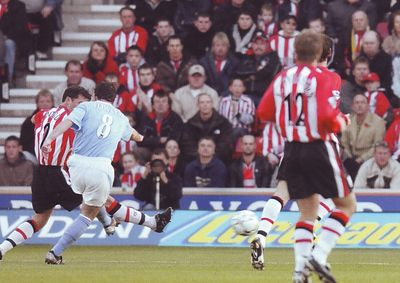 Southampton away 2003 to 04 fowler goal