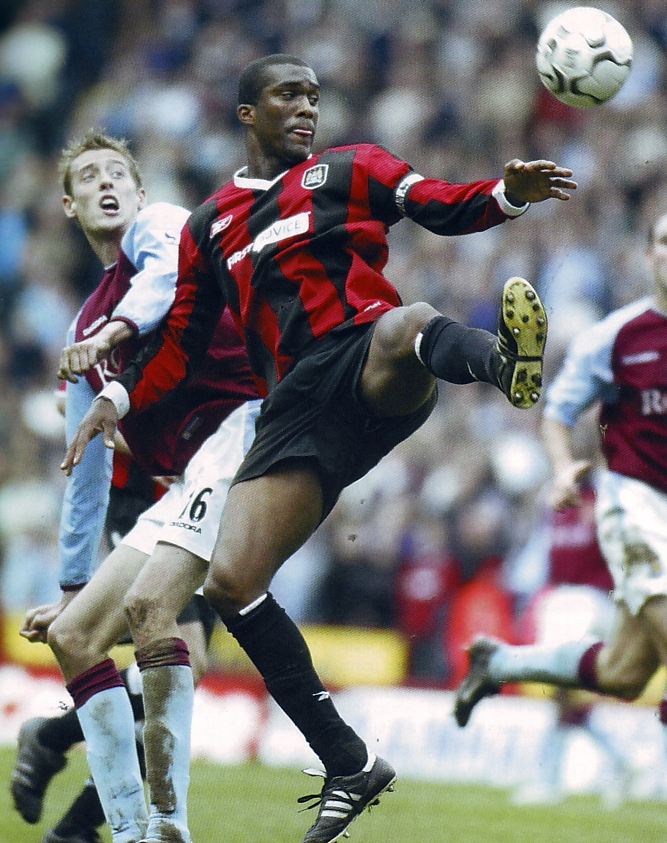 aston villa away 2003 to 04 action