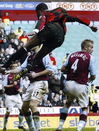 aston villa away 2003 to 04 distin goal