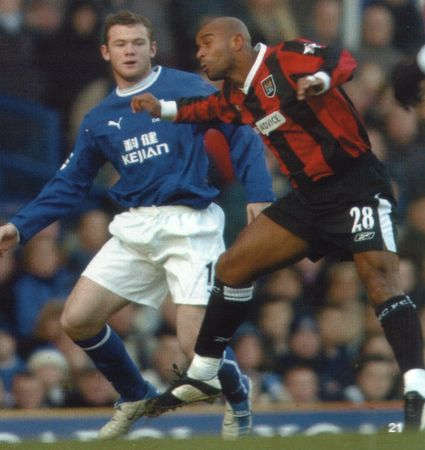 everton away 2003 to 04 action2