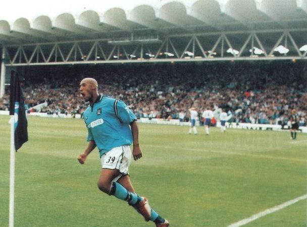 everton home 2002 to 03 goal celeb 3