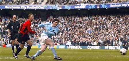 man utd home 2003 to 04 macken goal