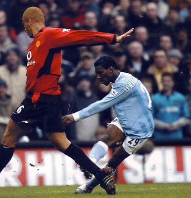 man utd home 2003 to 04 swp goal2