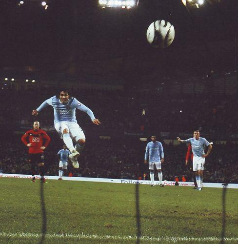 man utd home league cup semi 2009 to 10 1st tevez goal2