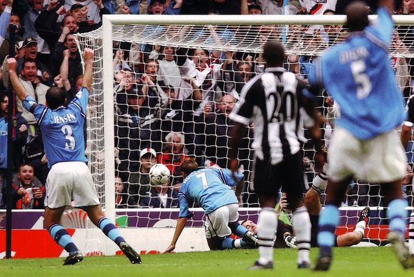 newcastle home 2002 to 03 huckerby goal