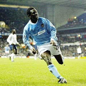 tottenham away FA Cup 2003 to 04 swp goal