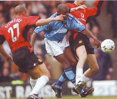 Man utd home 2002 to 03 goater2nd goal