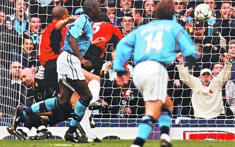 Man utd home 2002 to 03 goater2nd goal3