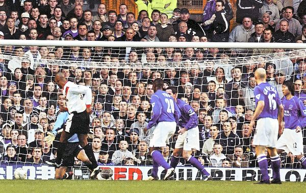 everton away 2002 to 03 anelka goal
