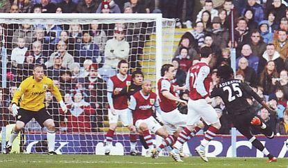 burnley away 2009 to 10 adebayor 1st goal