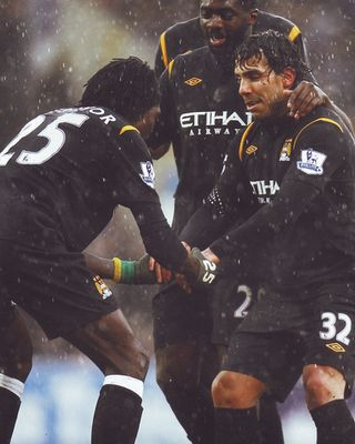 burnley away 2009 to 10 adebayor 2nd goal