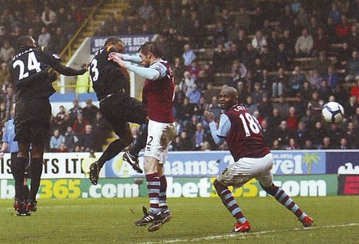 burnley away 2009 to 10 kompany goal