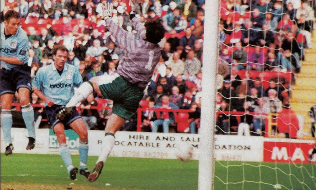 charlton away 1996 to 97 brannen goal4
