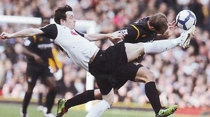 fulham away 2009 to 10 action3