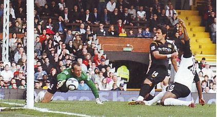 fulham away 2009 to 10 santa cruz goal2