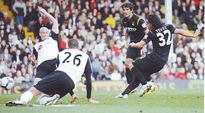 fulham away 2009 to 10 tevez goal2