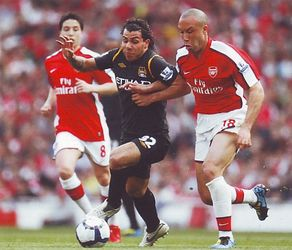 arsenal away 2009 to 10 action