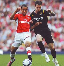 arsenal away 2009 to 10 action3