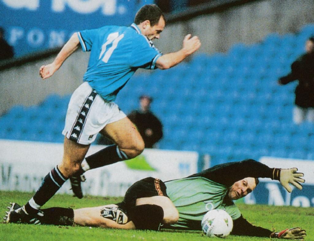 bradford fa cup 1997 to 98 rosler goal5