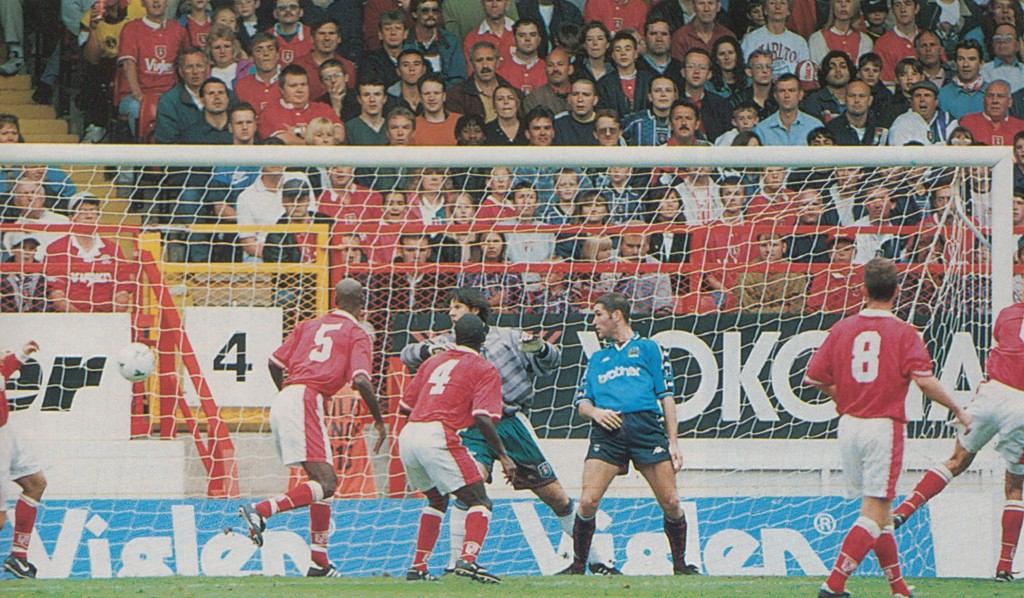 charlton away 1997 to 98 weikens goal4