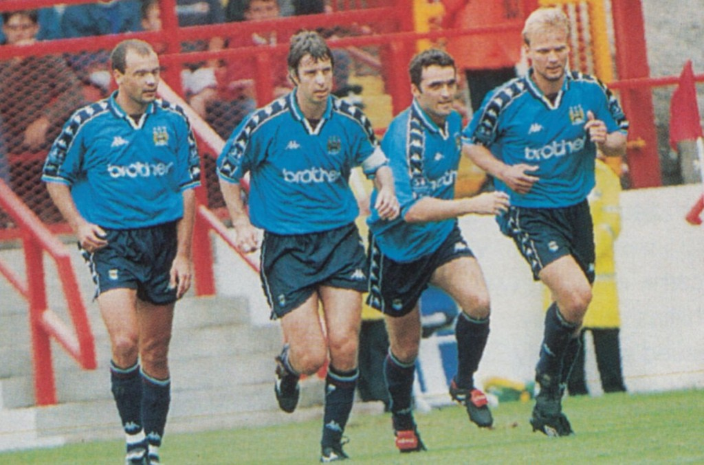 charlton away 1997 to 98 weikens goal5