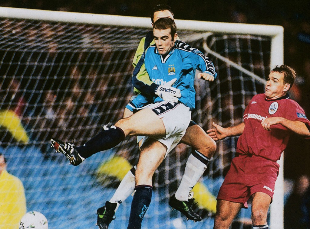 huddersfield home 1997 to 98 action6