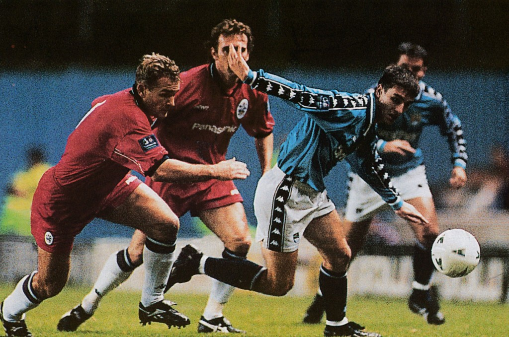 huddersfield home 1997 to 98 action7