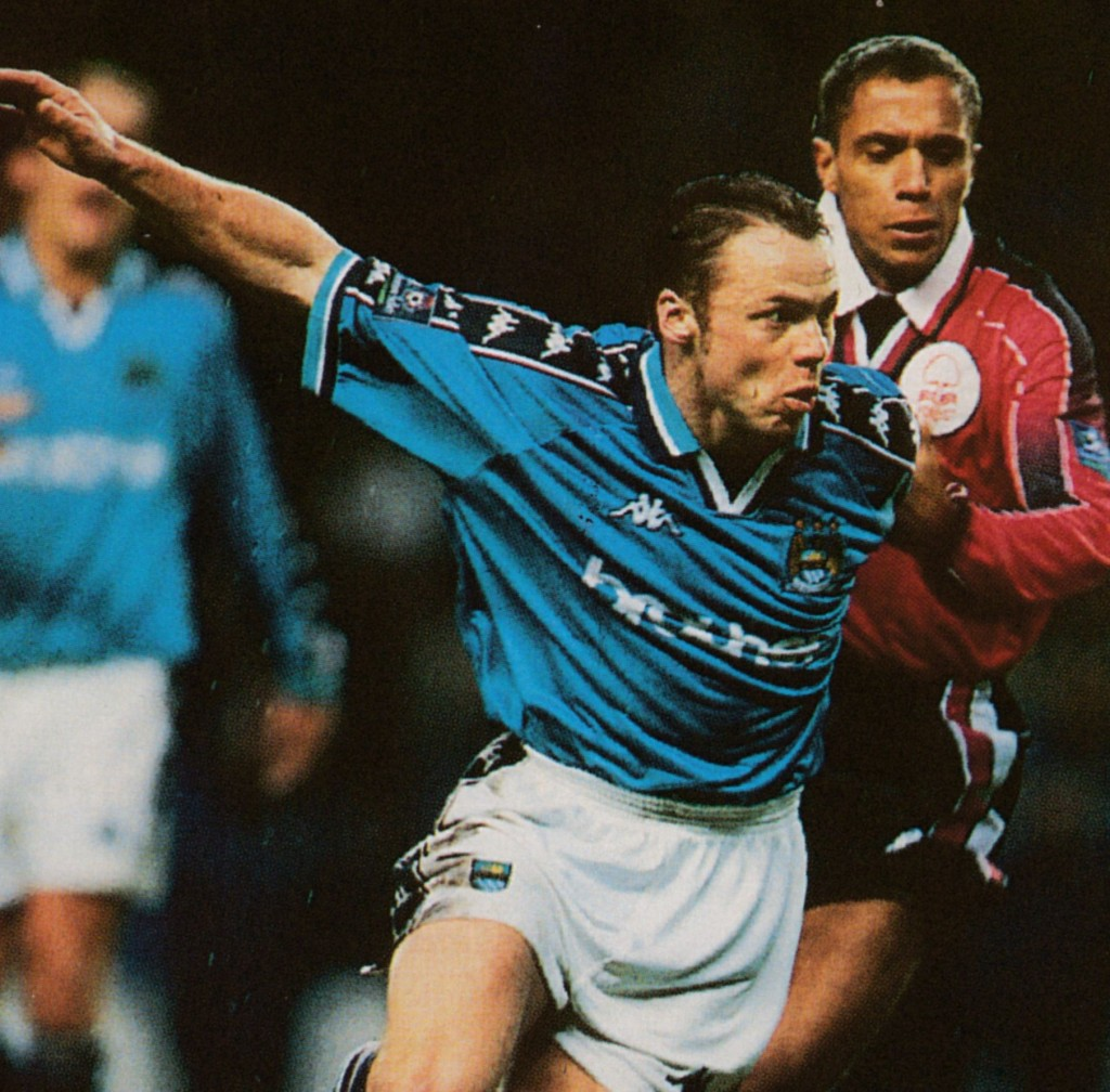 notts forest home 1997 to 98 action9
