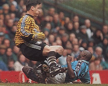 stockport home 1997 to 98 goater goal2