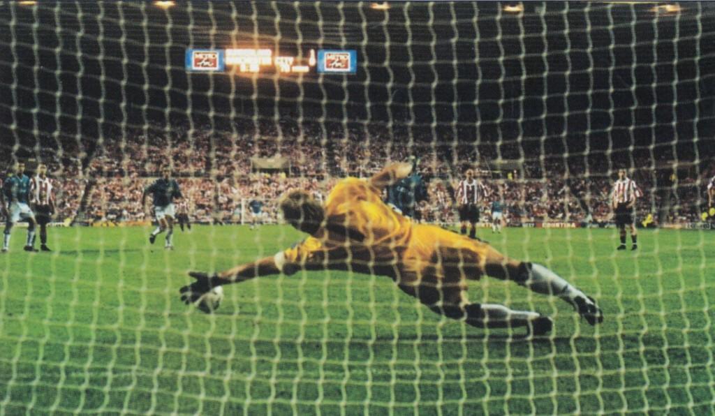 sunderland away 1997 to 98 kinkladze pen goal4