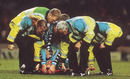 sunderland home 1997 to 98 shelia injury