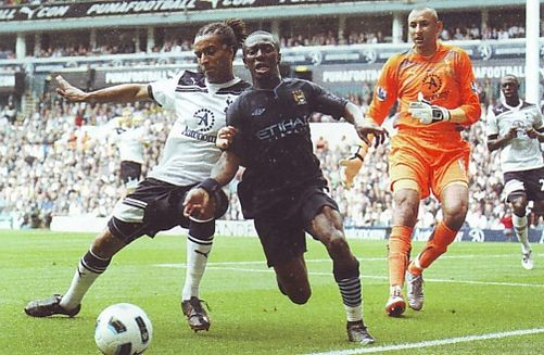 tottenham  away 2010 to 11 action