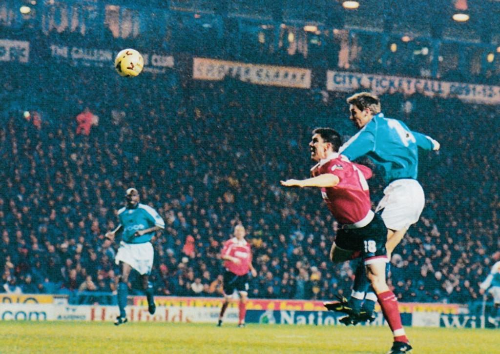 barnsley home 1999 to 2000 taylor goal5