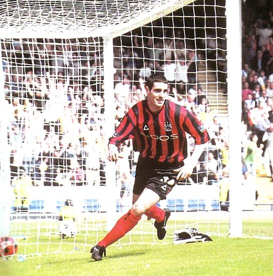 blackburn away 1999 to 2000 kennedy goal3